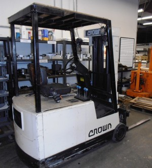 Crown forklift2