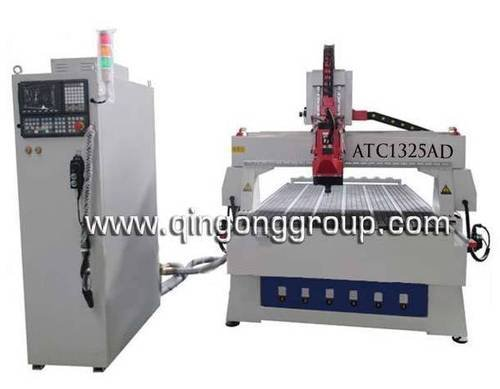 Linear auto tool changer cnc router
