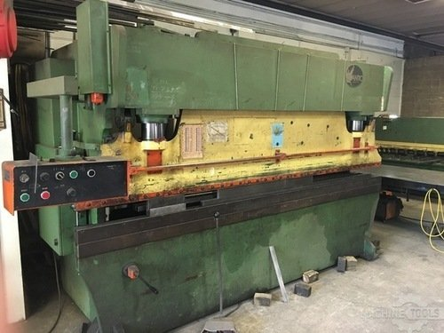 Used 12 x 135 ton atlantic press brake