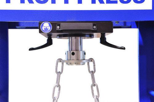 Workshop press movable cylinder