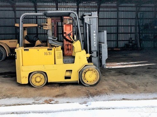 18 000 forklift and charger