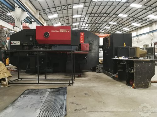 Front view of amada coma 557 machine