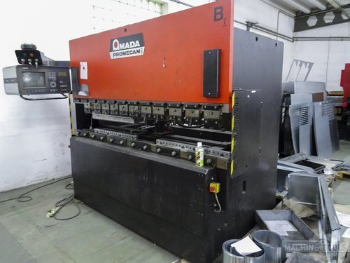 Right view of amada itps 80 25 machine