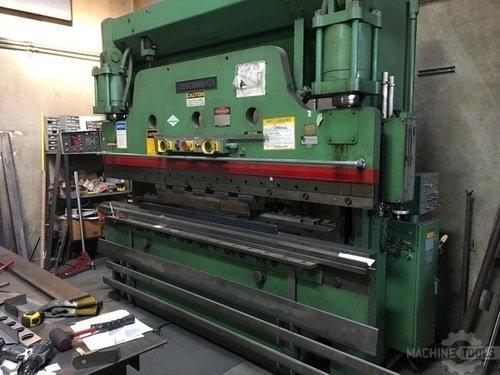 Cincinnati 135 ton press brake overall