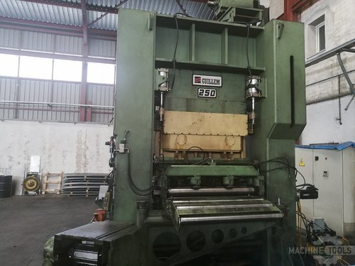 Front view of guillem d2 250 machine