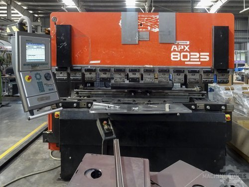 Front view of amada apx 8025 machine