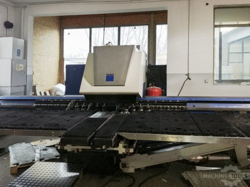 Front view of trumpf trumatic 3000 l machine