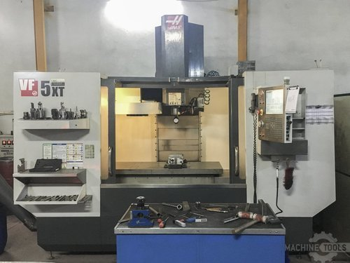 Front view of haas vf 5 40xt machine