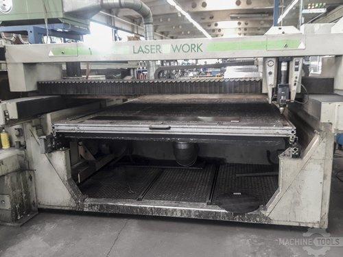 Front view of wegmann baasel vfa 1750 machine