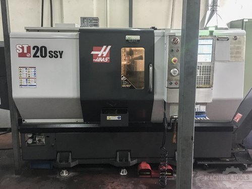 Front view of haas st 20ssy machine