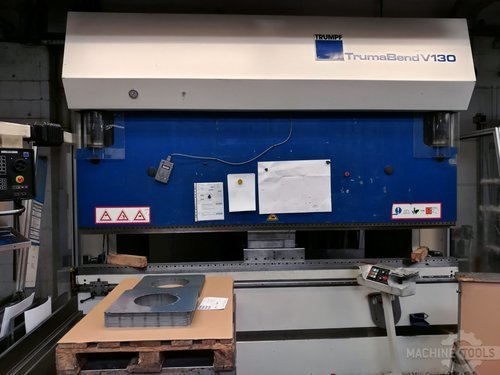 Front view of trumpf trumabend v130 machine