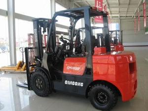 Forklift05